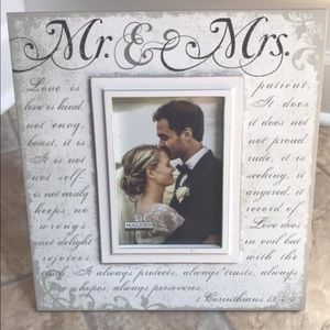 Other - SALE🎉MR. & MRS. LOVE FARMHOUSE PICTURE FRAME NEW